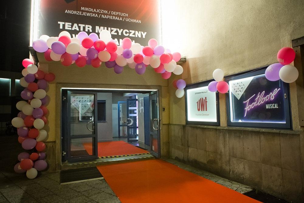 Premiera-Footloose-Teatr-Muzyczny-UWI-sponsorem-15