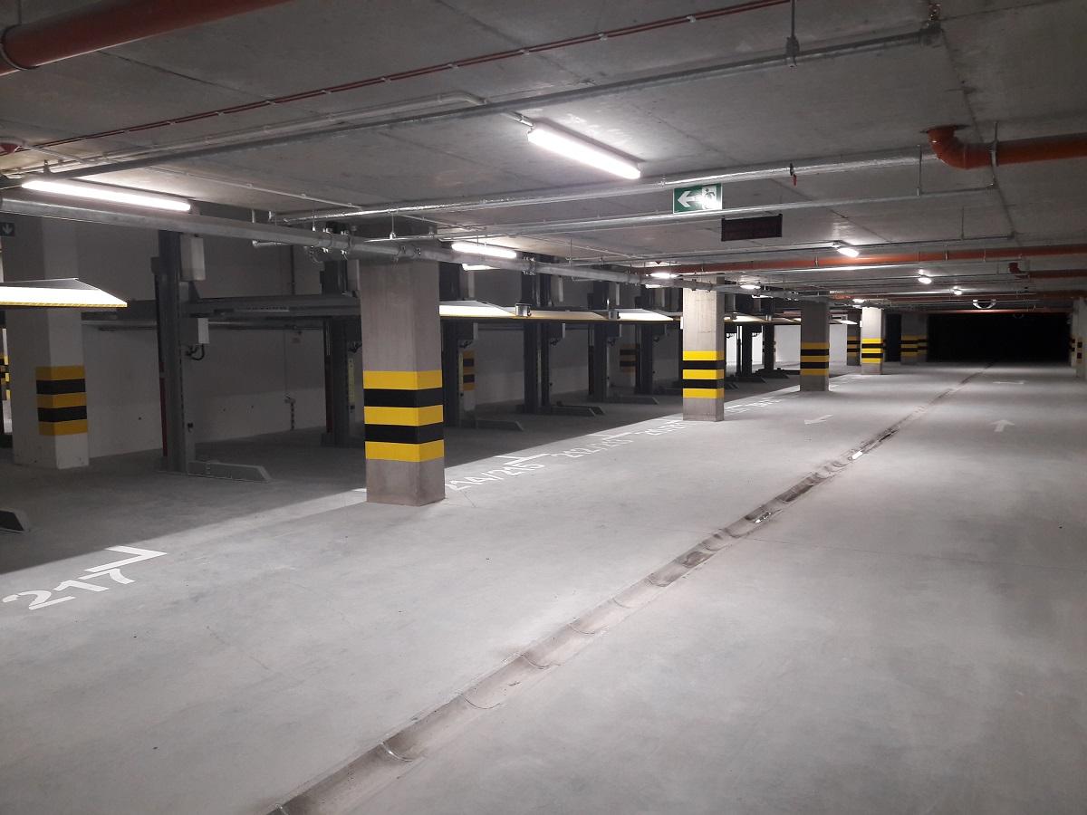 Hala parkingowa na Malta Nowa 2